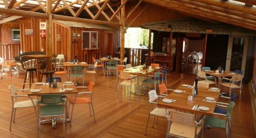 Boccalino Restaurant, Motels and Cabins - Kootenay Bay BC